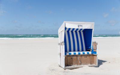beach-chair-1587066_1920